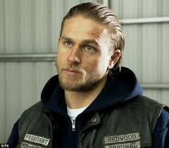 how to get the jax teller hair look charlie hunnam suits up and spends 34th birthday filming crimson