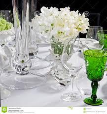 fleurs blanches mariage table de mariage bouquet des fleurs blanches de l ané photo