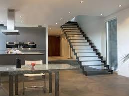 stahl treppe die besten 25 stahltreppe innen ideen auf hölzerne