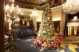 best christmas decorations 5 hotels with the best christmas decorations orbitz