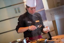 commis de cuisine definition madame chef dalila roglieri