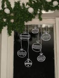 Christmas Decorations For Tall Windows by 40 Stunning Christmas Window Decorations Ideas All About