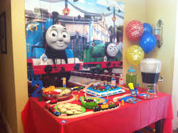 thomas the train cake table shawn u0027s 2nd birthday pinterest