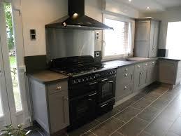 cuisine gris anthracite cuisine moderne laquée gris patine gris foncé gilles martel