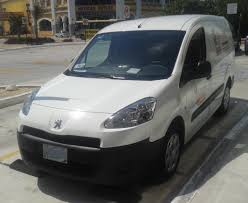 peugeot partner 2015 file peugeot partner chedreau u0026 nissan tsuru taxi jpg wikimedia