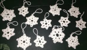 the crafty german easy ornaments 2 crochet snowflakes