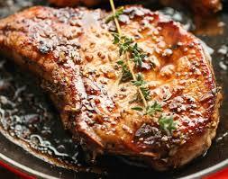cuisiner cote de porc recette de côtelettes de porc caramélisées dans une sauce aigre douce