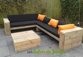 fabriquer un canapé en bois gracieux canape palette meubles beautiful table de salon de jardin