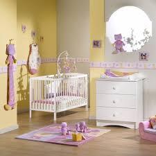 chambre bébé fille violet chambre bebe jaune et grise