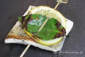 cuisiner un sandre plancha de pavé de sandre citron laurier et beurre