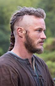 what is going on with travis fimmels hair in vikings travis fimmel as ragnar lothbrok vikings vikings the first