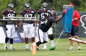 jadeveon clowney listed at different position on texans u0027 depth
