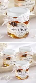 honey jar wedding favors 19 wedding favors for 1 or less favors honey and weddings