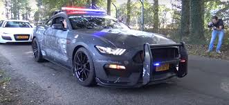 cars like a mustang 2016 ford mustang shelby gt350 sounds like a racecar on the