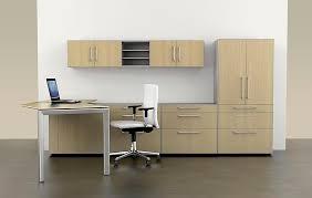 bureau avec rangement intégré bureau en bois contemporain professionnel avec rangement