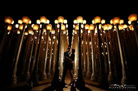 Wedding Photographers Los Angeles Off Camera Flash Engagement Photos At Lacma In Los Angeles