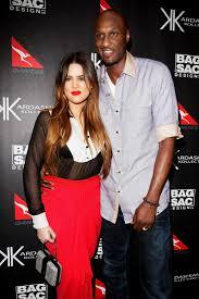 khloe kardashian visits lamar odom in hospital the day after