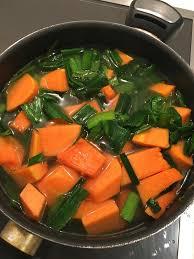 cuisiner les verts de poireaux potage de verts de poireaux à la courge musquée theblondegourmette