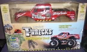 1520 revell jurassic park bigfoot wrecks ford monster truck 1 25