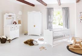 chambre en pin chambre large pin massif blanc florentina lestendances fr