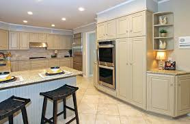 Cream Colored Kitchen Cabinets With White Appliances Cream Kitchen Cabinets What Color Walls Colored With White