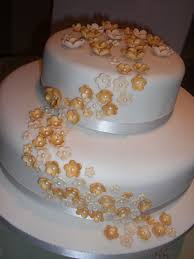 golden wedding cakes best 25 wedding anniversary cakes ideas on marriage