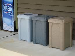 the best trash cans and recycling bins for schools and colleges