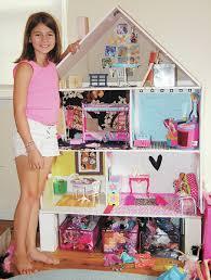 Decor dreams take flight when dollhouse decorating