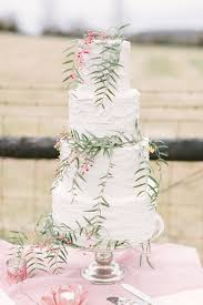 wedding cake with leaves fab mood wedding colours wedding