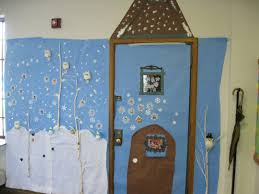 Holiday Door Decorating Holiday Door Decorations For Classrooms And Creative But Simple