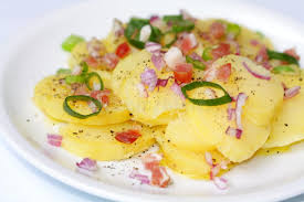 pomme de terre en chambre salade de pomme de terre des pommes de terre en robe de chambre