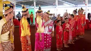 new years in tn lao new year festival wat lao buddharam murfreesboro tn 4 05