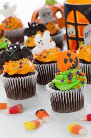halloween cupcake with jack o u0027 lantern and bat decorations