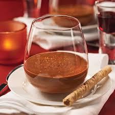 cuisine mousse au chocolat mousse au chocolat et piment d espelette en verrine recettes