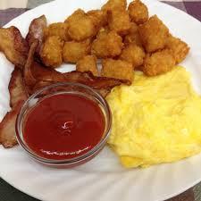 egg platter bacon egg and tater tot platter lehmans deli