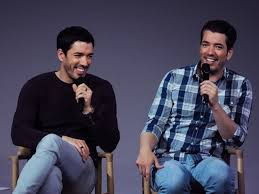 The Property Brothers Hgtv U0027s Property Brothers Jonathan Drew Scott Bringing House Party