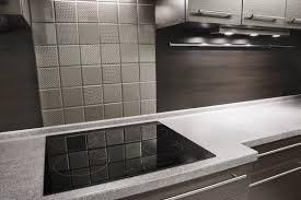 fliesen küche wand fliesen in metalloptik für die küche fliesen homestory