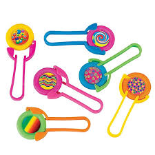 Favor Toys by 141 Best Treasure Chest Prizes For Classroom Images On