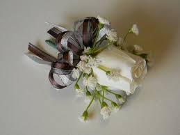 How To Make Boutonnieres How To Make A Boutonniere Organize And Decorate Everything