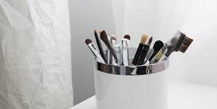 affordable makeup brush storage stealingbeauty