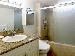 chateau waikiki 2814 2 br 1 ba apartment in honolulu sleeps 4 property image 6 chateau waikiki 2814 2 br 1 ba apartment in