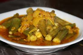 cuisiner des gombos recette salade d entrée de gombos mlokhia recettes maroc
