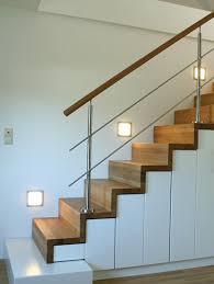 geschlossene treppen sondertreppen holztreppe raumspartreppe treppe spezialtreppen