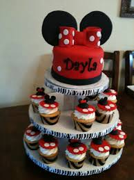 minnie mouse cupcakes minnie mouse cupcake tower cakecentral