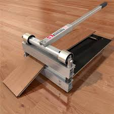 fabulous laminate flooring saw laminate floor cutting laminate