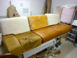 renover canape cuir réfection d un canapé en cuir au fil des matières