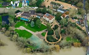 George Clooney Home In Italy George Clooney U0027s Berkshire Garden Flooded Due To High Tides Of