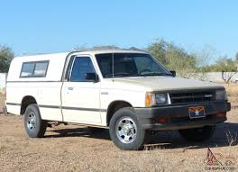 mazda b2000 lx standard cab pickup 2 door 2 0l excellent condition