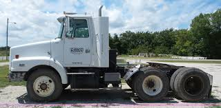 volvo heavy duty trucks for sale 1998 volvo wg semi truck item bz9699 sold september 22