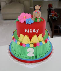 how to make a cake for a girl the 25 best hula girl cakes ideas on luau cakes luau